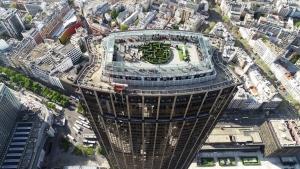 Easter Garden au sommet de la Tour Montparnasse